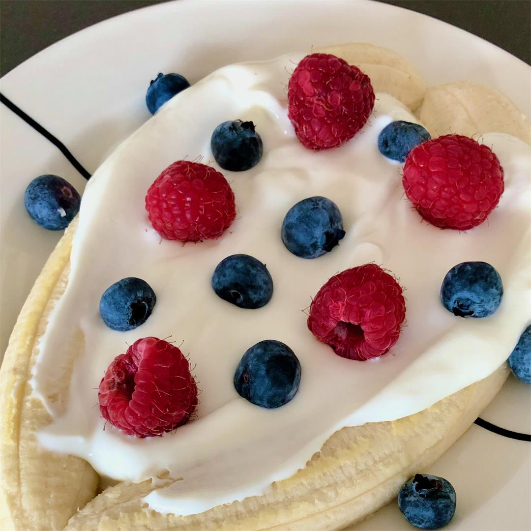 Banana split breakfast
