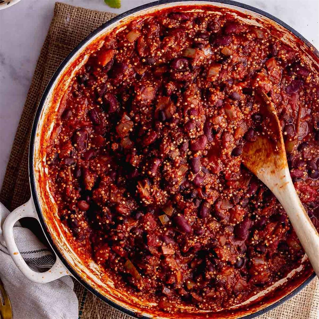 Hearty Quinoa Chilli with Beans
