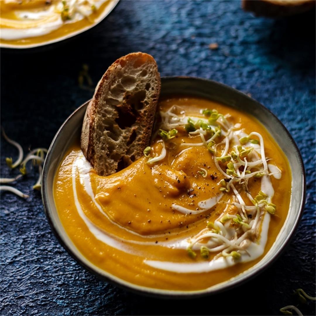 Creamy Vegan Sweet Potato Lentil Soup