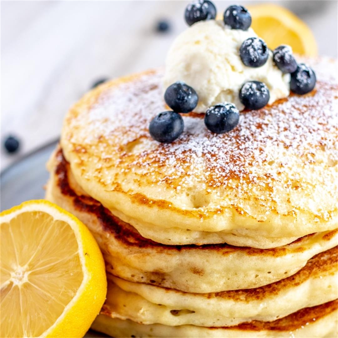 Lemon Ricotta Pancakes (SUPER easy to make!)