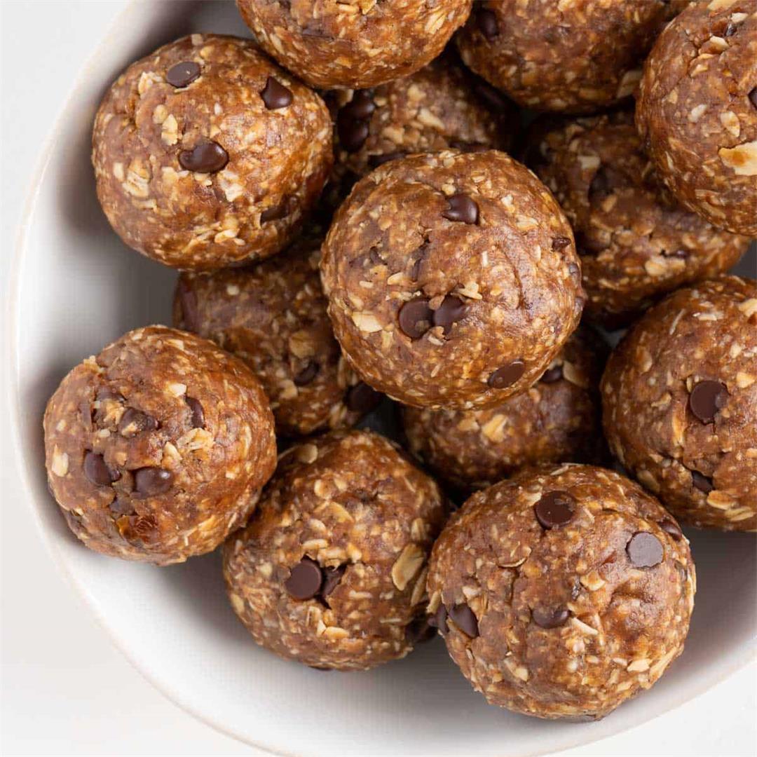 Oatmeal Cookie Dough Balls (Vegan & GF)