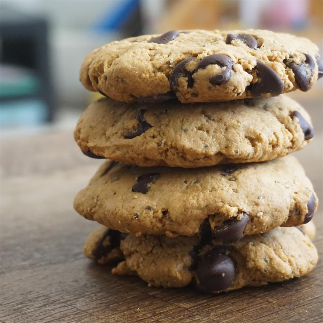 Eggless Butter-less Whole Wheat Chocolate Chip Cookies