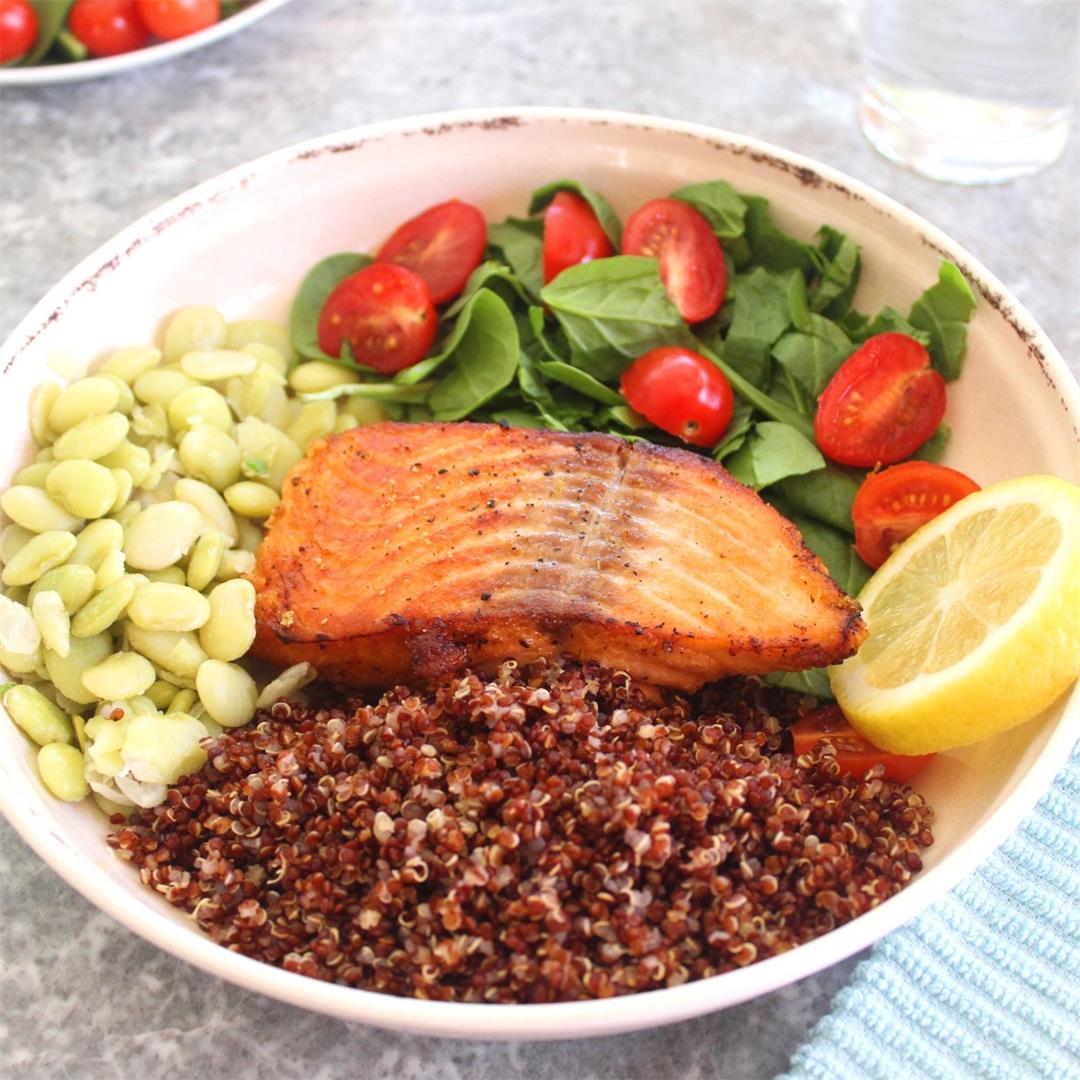 Healthy Salmon Quinoa Bowl