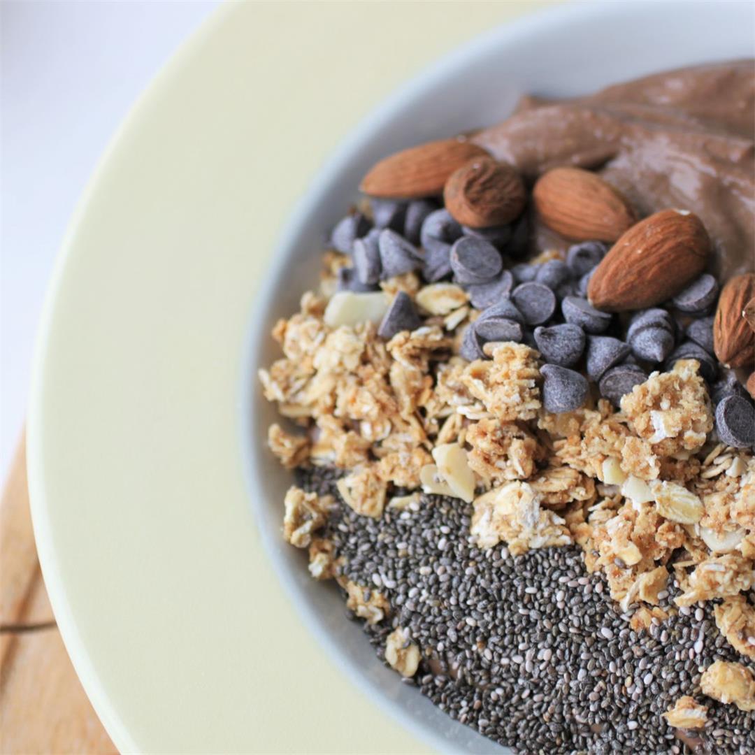 Healthy Nutella Smoothie Bowl Recipe (Vegan + GF)