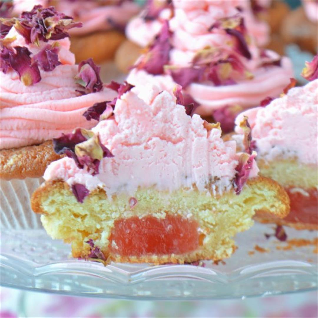 Turkish Delight & Rose Petals Cupcakes — Tasty Food