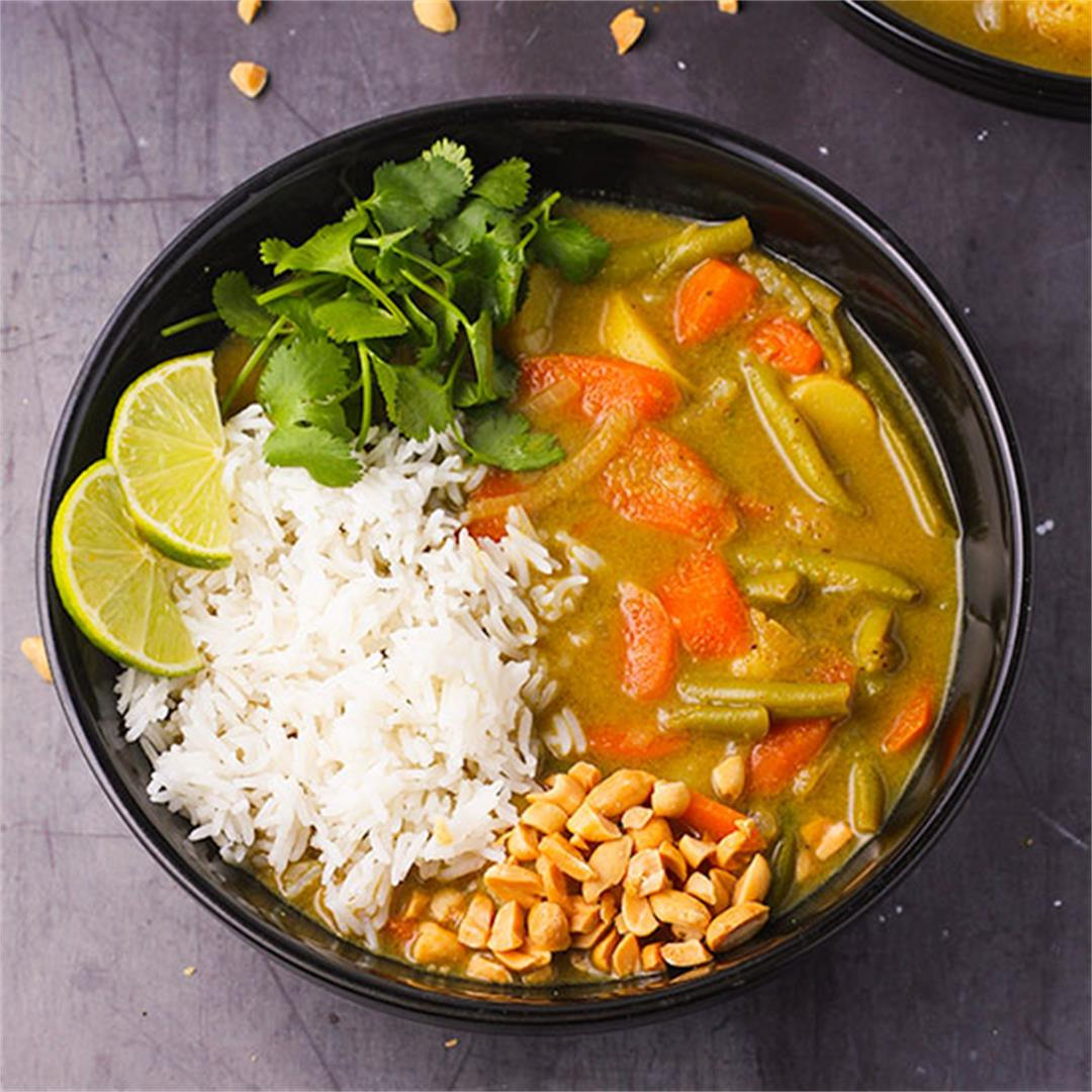 Veggie massaman curry