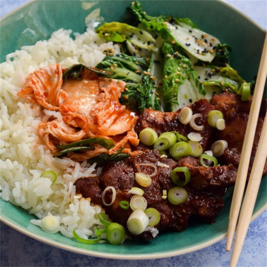 Slow Cooker Korean Chicken & Kimchee Bowls