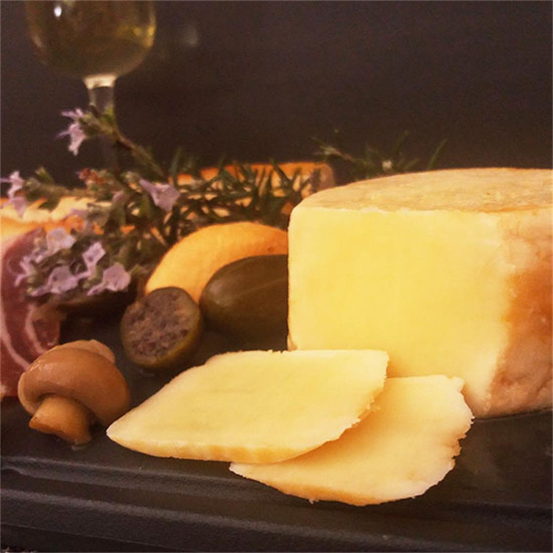 Oil Cured Cheese