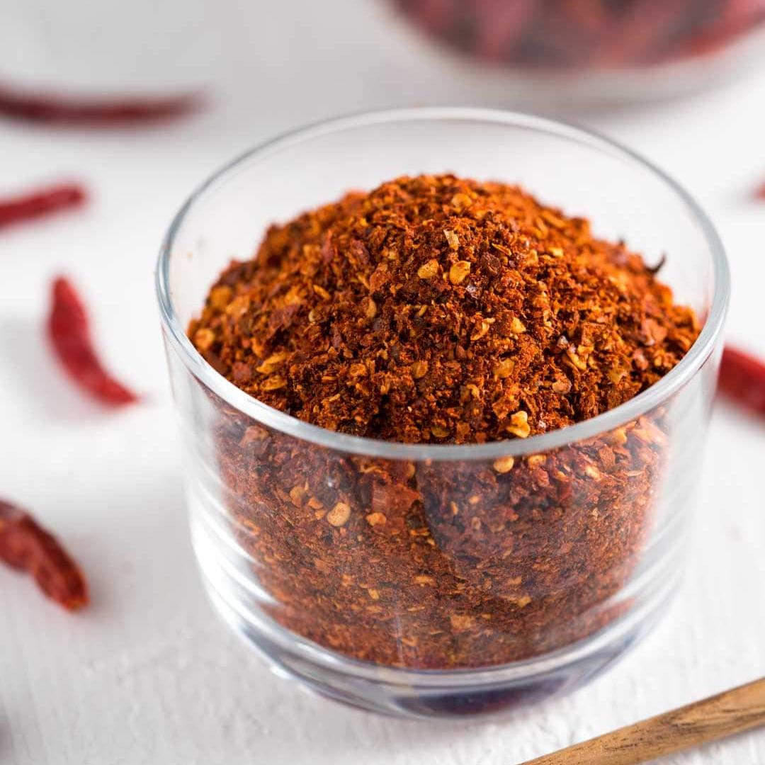 How To Make Thai Chili Flakes (Prik Bon)