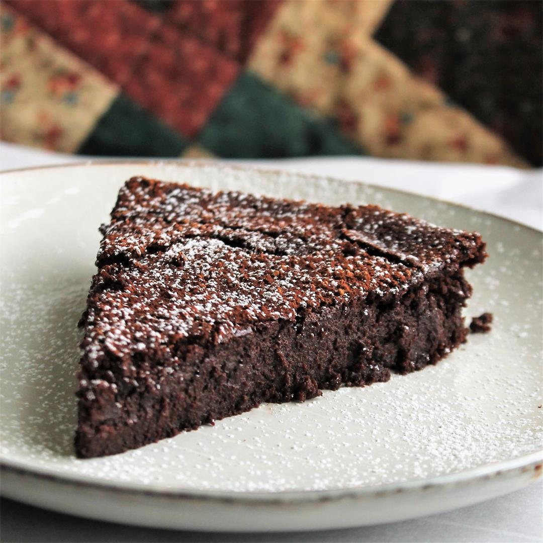 Flourless Chocolate-Chili Cake (Cake Slice Bakers Challenge) –