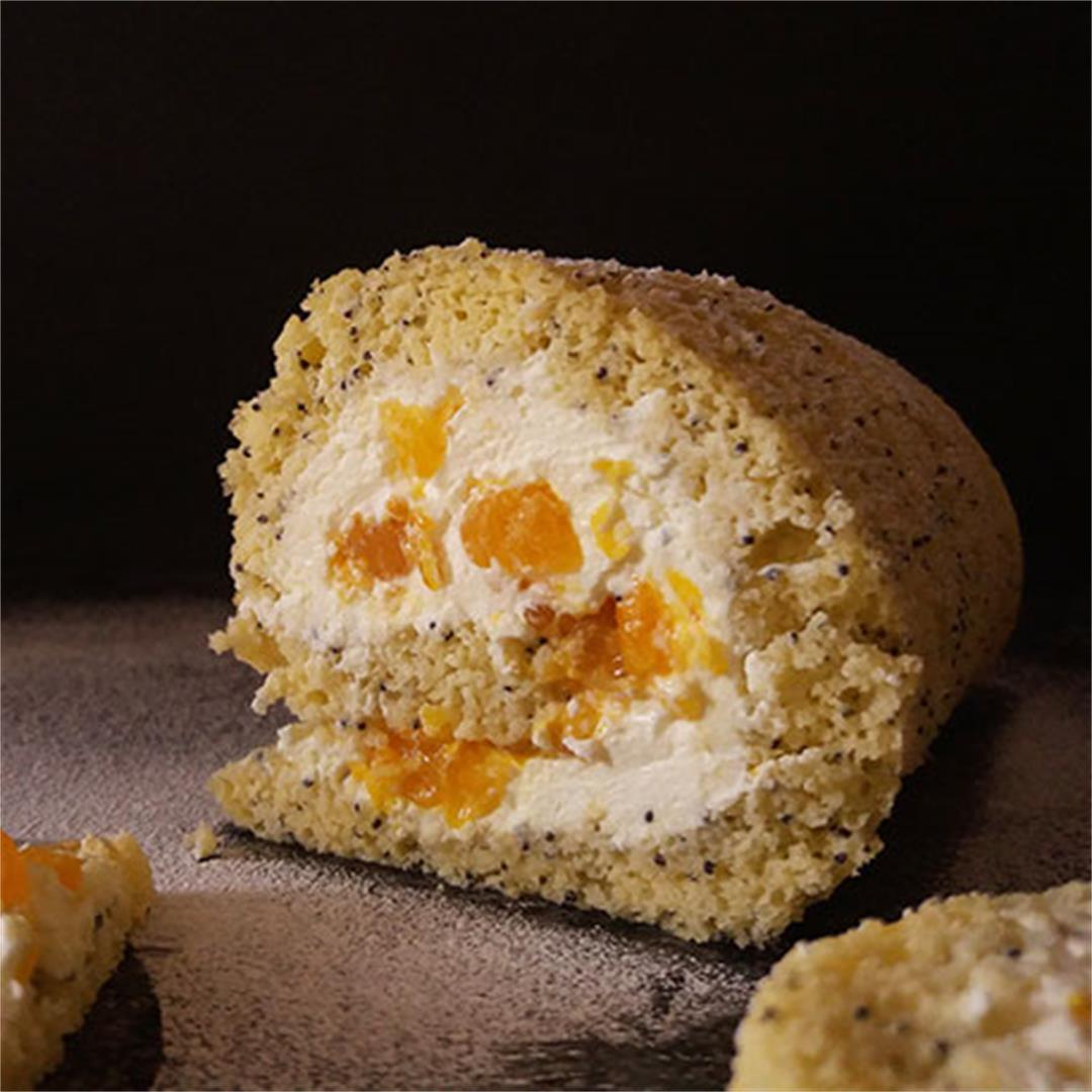 Mandarin and Poppy Seeds Cake Roll