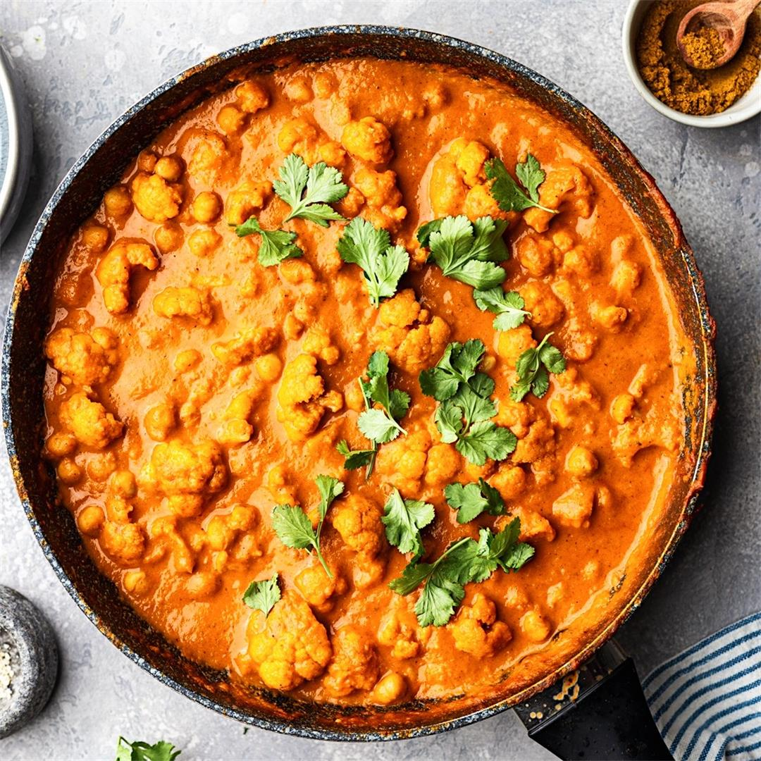Creamy Cauliflower and Chickpea Curry