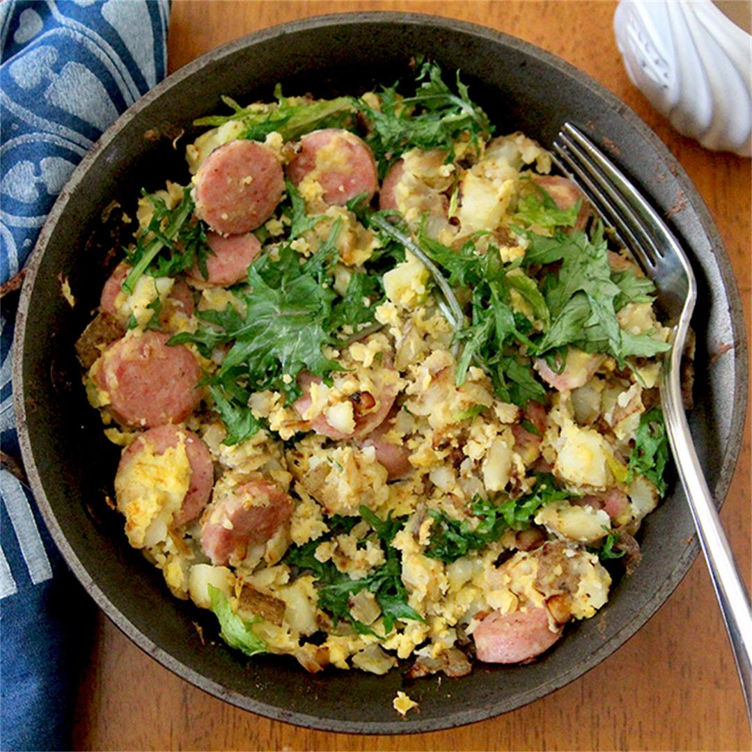 Bratwurst Skillet with Eggs and Baby Kale for One