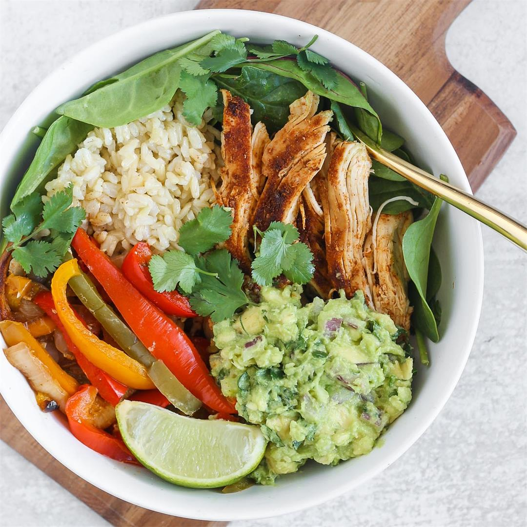 Easy Baked Chicken Fajita Bowls