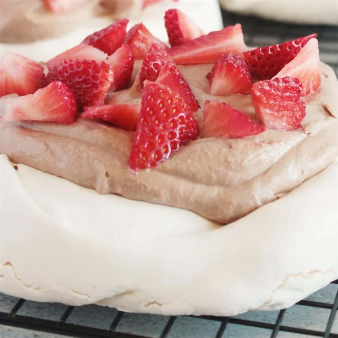 Strawberry Nutella Pavlova