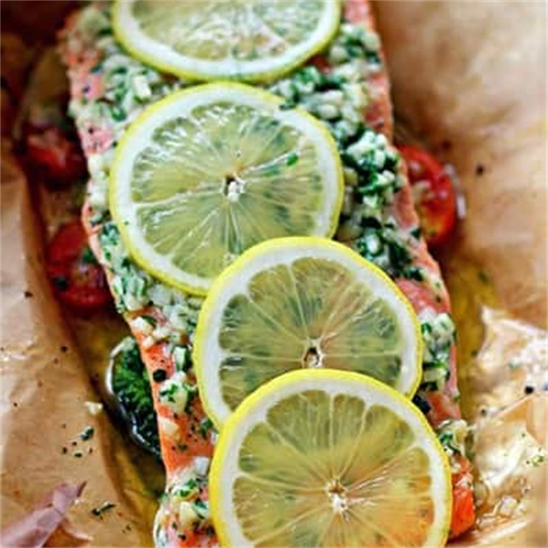 Salmon Baked in Foil with Lemon and Garlic