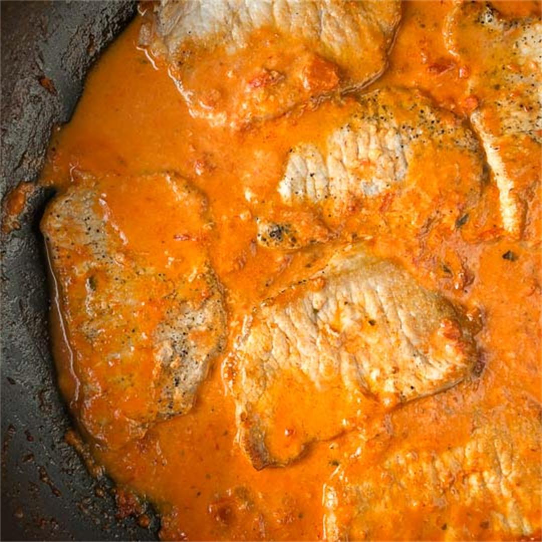 Easy Keto Creamy Tomato Pork Chops Recipe