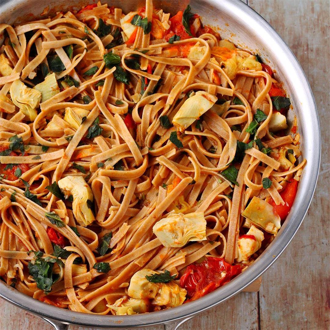 fresh tomato & artichoke pasta: healthy dinner in minutes |