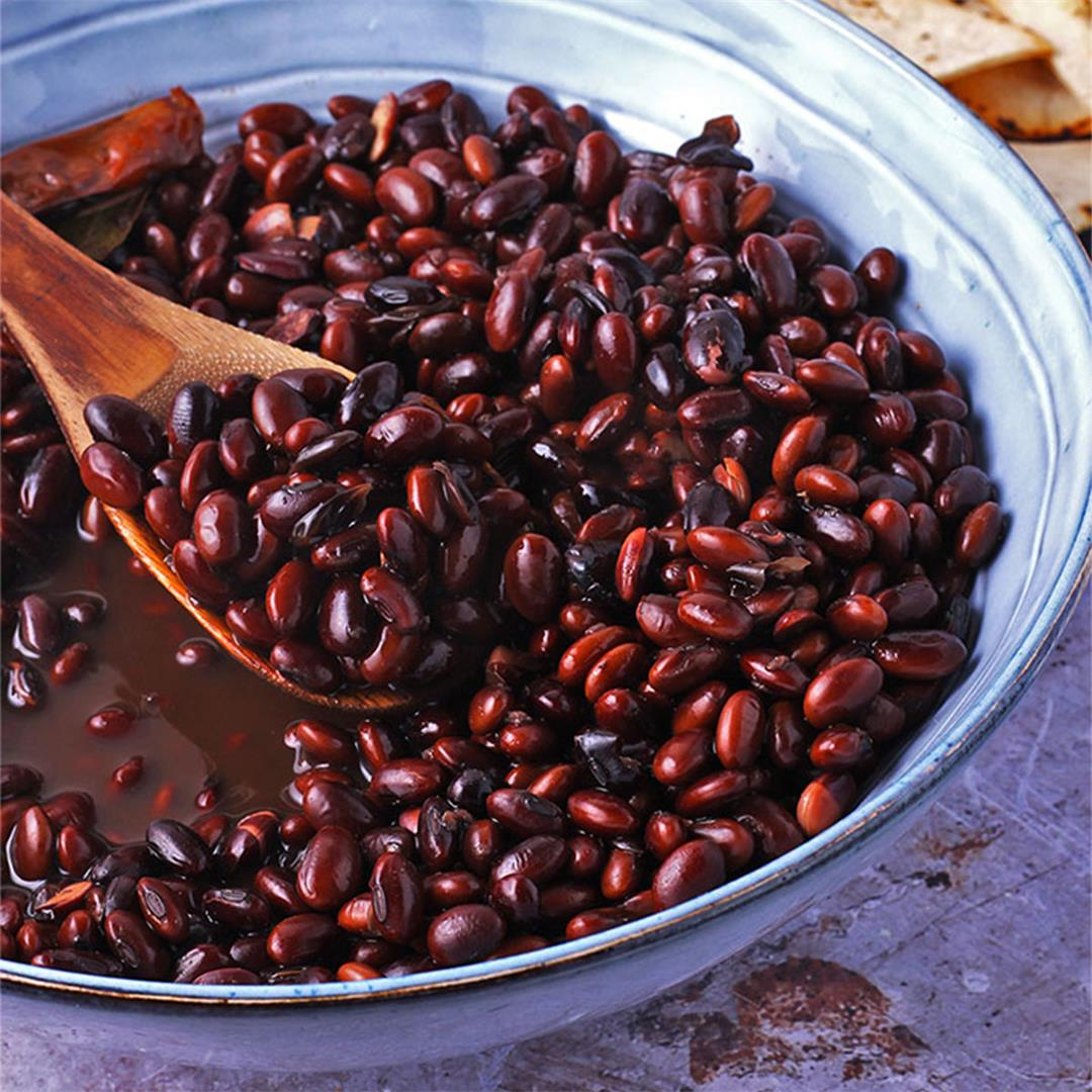 How to cook flavorful black beans from scratch