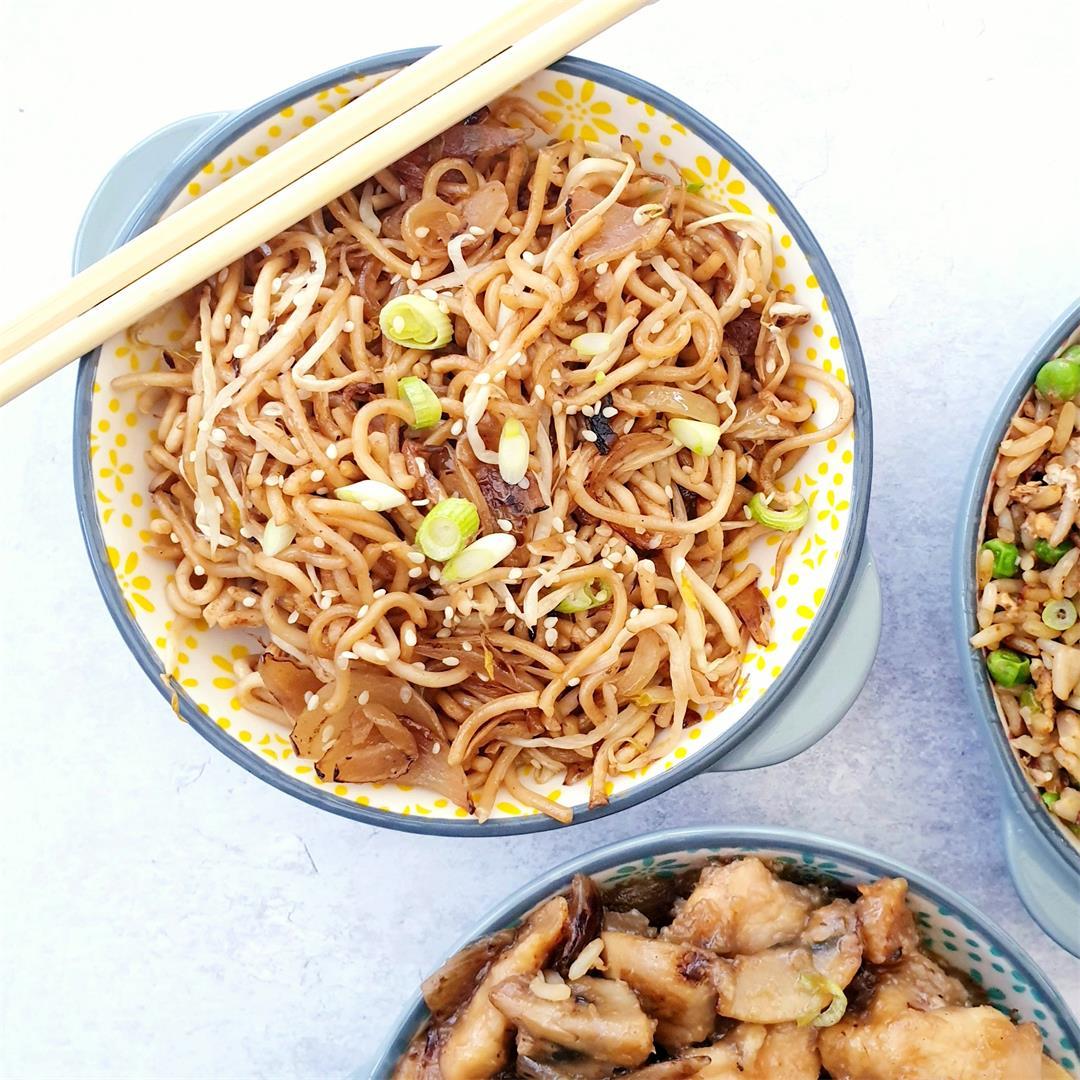 Plain Chow Mein (Stir Fry Noodles)