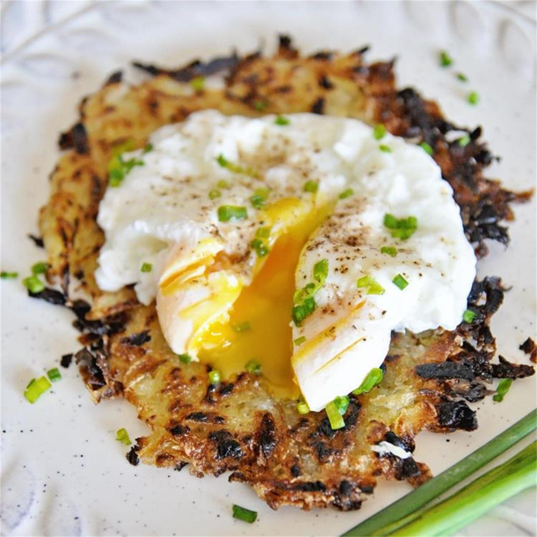 How to Make Crispy Hash Browns & Poached Eggs