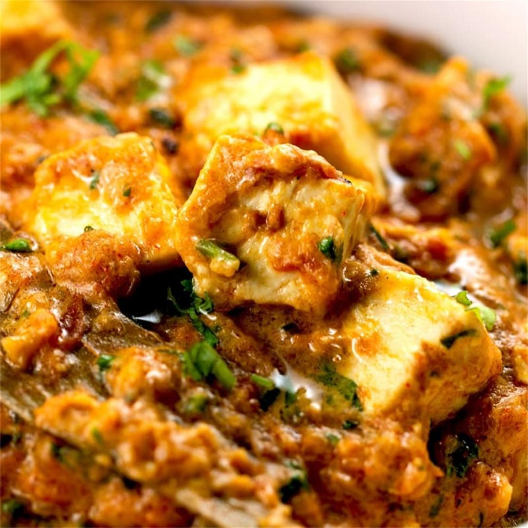 One Pot Paneer Masala (Indian Spicy Cottage Cheese Curry)