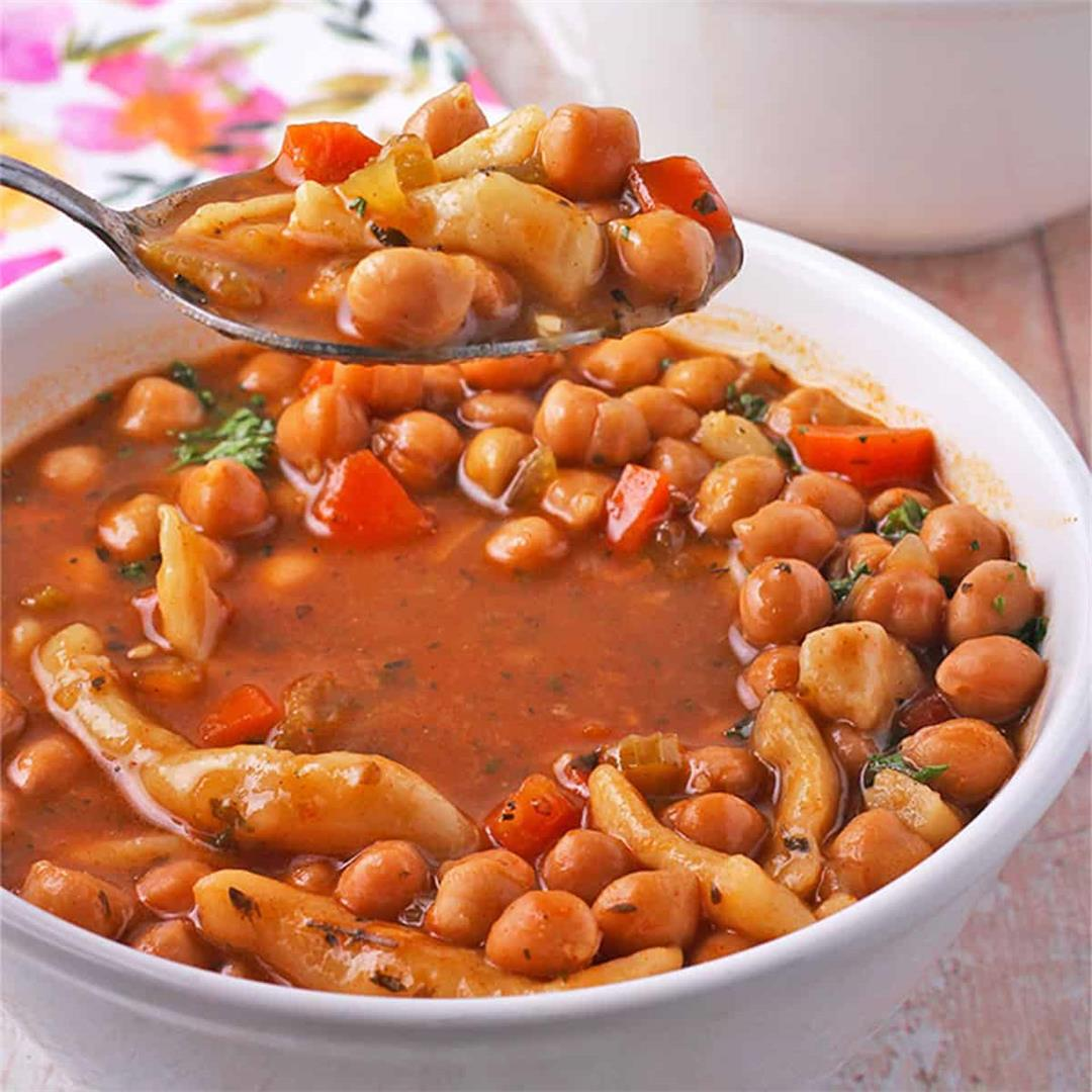 Audacious chickpea soup with vegan noodles: make it from scratc