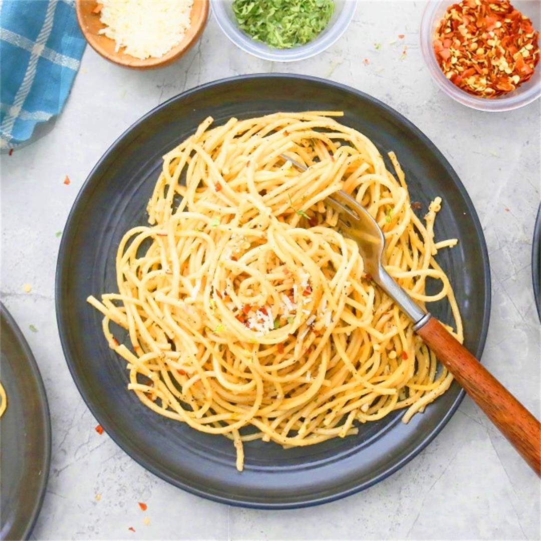 Instant Pot Spaghetti Aglio e Olio - Kitchen @ Hoskins