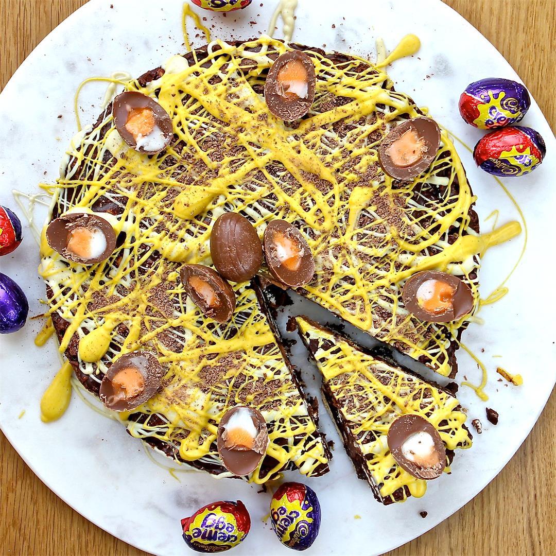 No Bake Creme Egg Biscuit Cake (gluten free)
