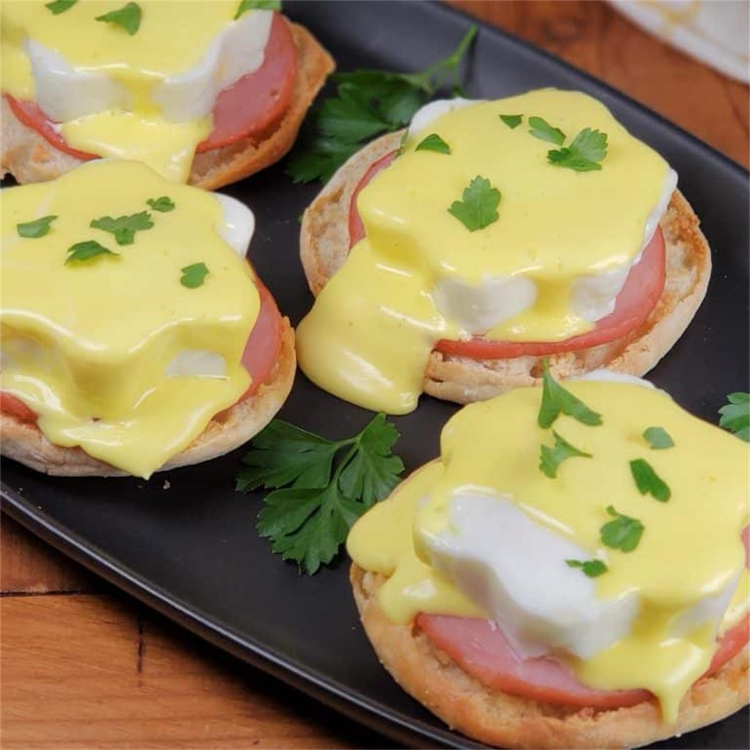 Learn How to Make Eggs Benedict in your Instant Pot!!
