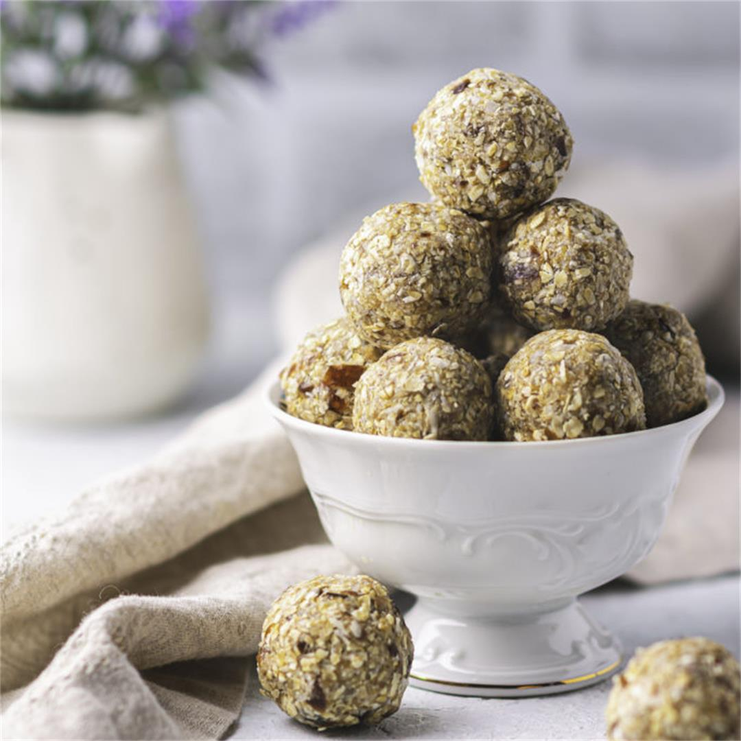 Healthy Oatmeal Energy Balls