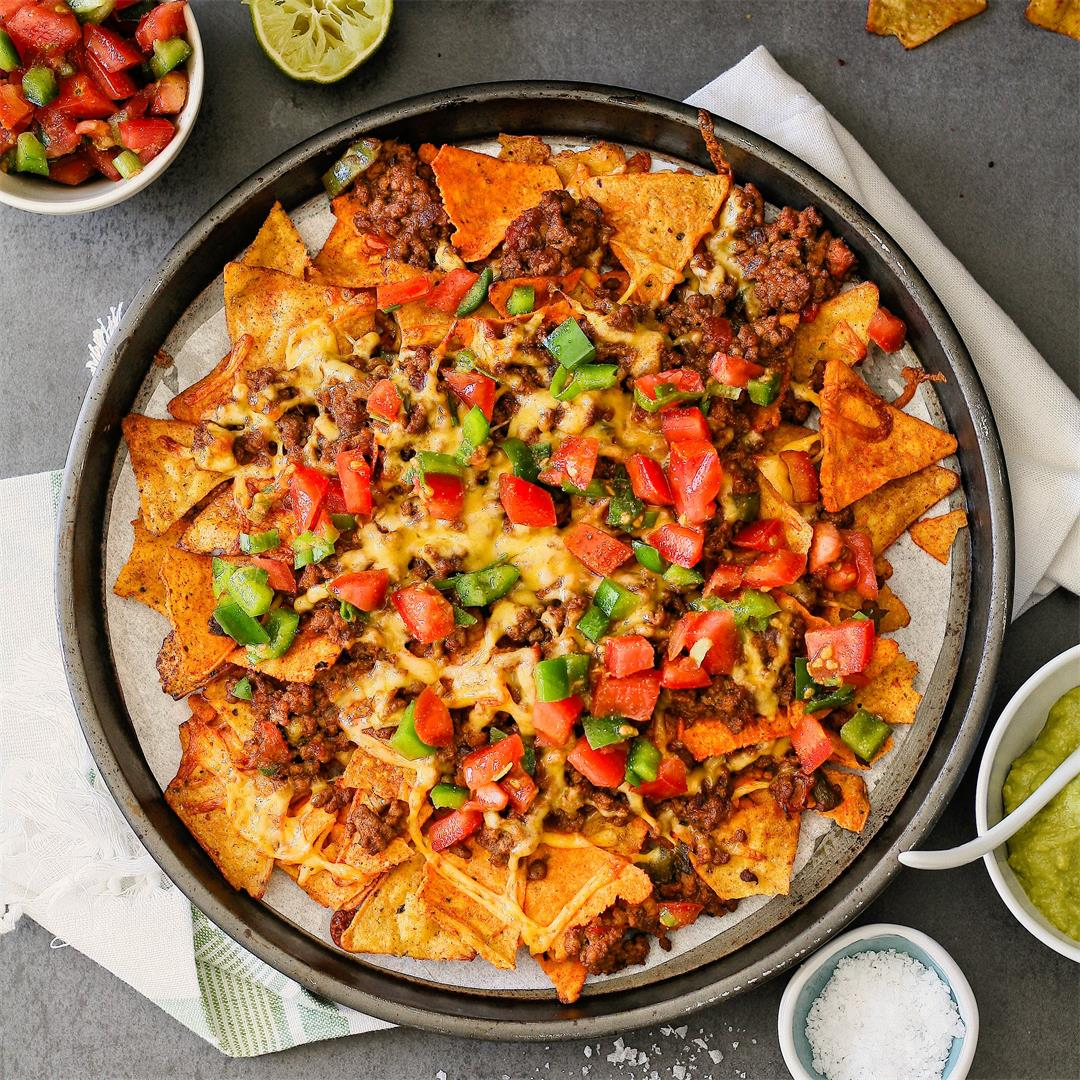 Spicy beef tray bake nachos