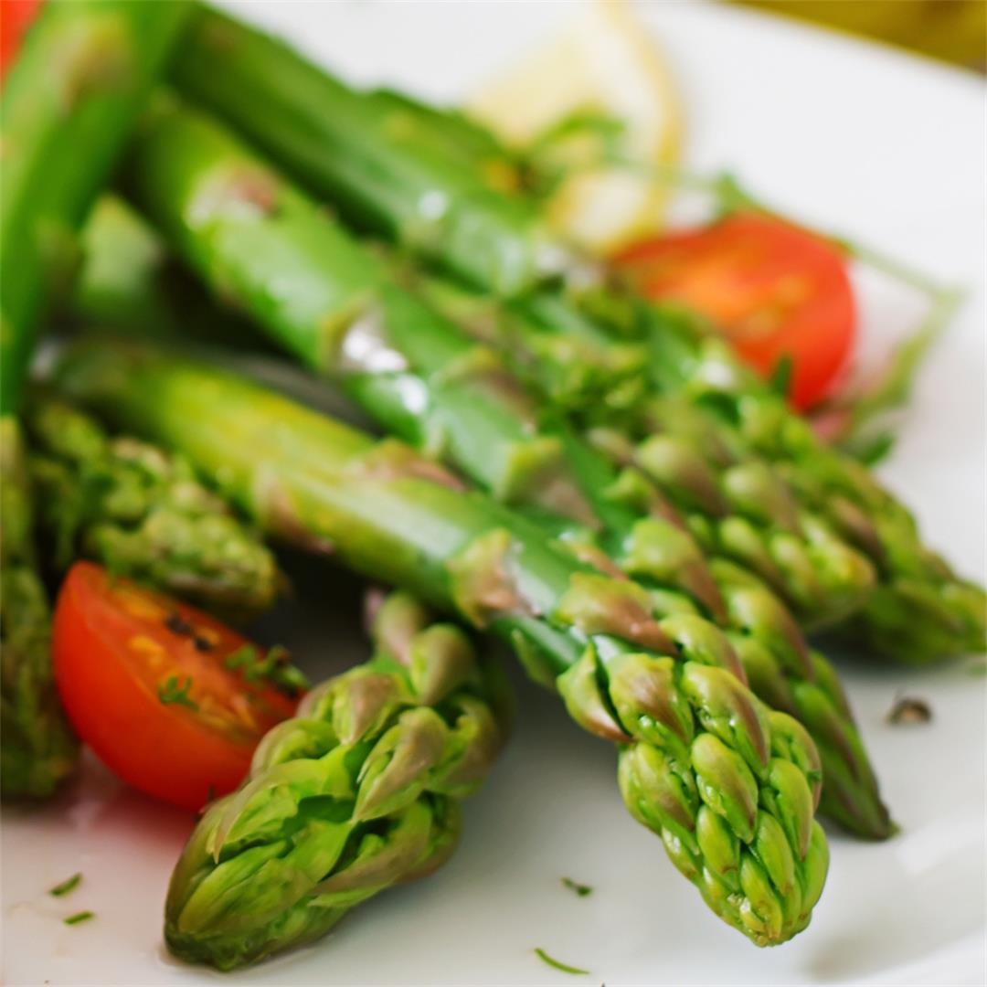 Oven Roasted Asparagus (So Easy and Tasty!)