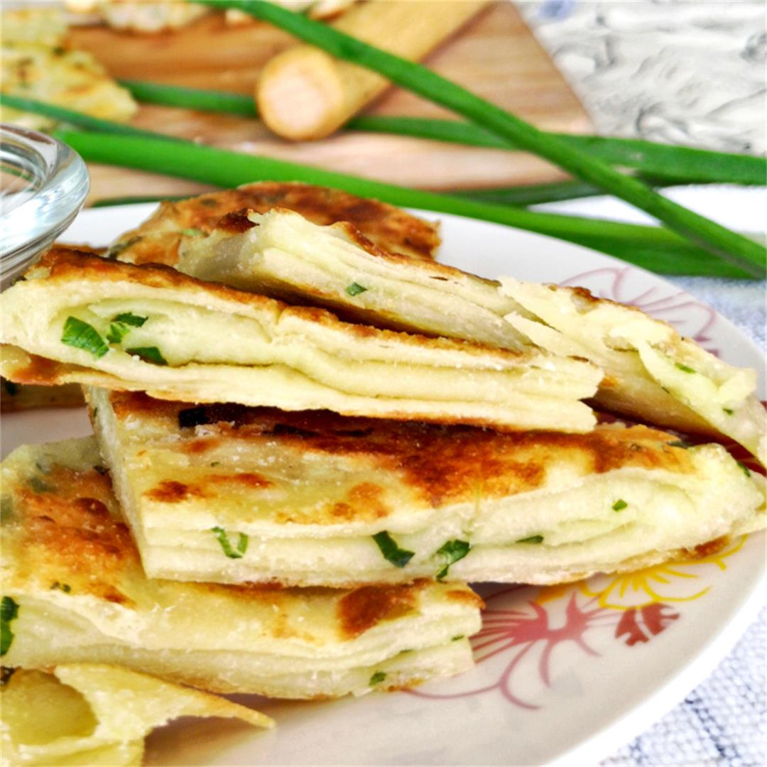 Scallion Pancake Recipe (葱油饼)