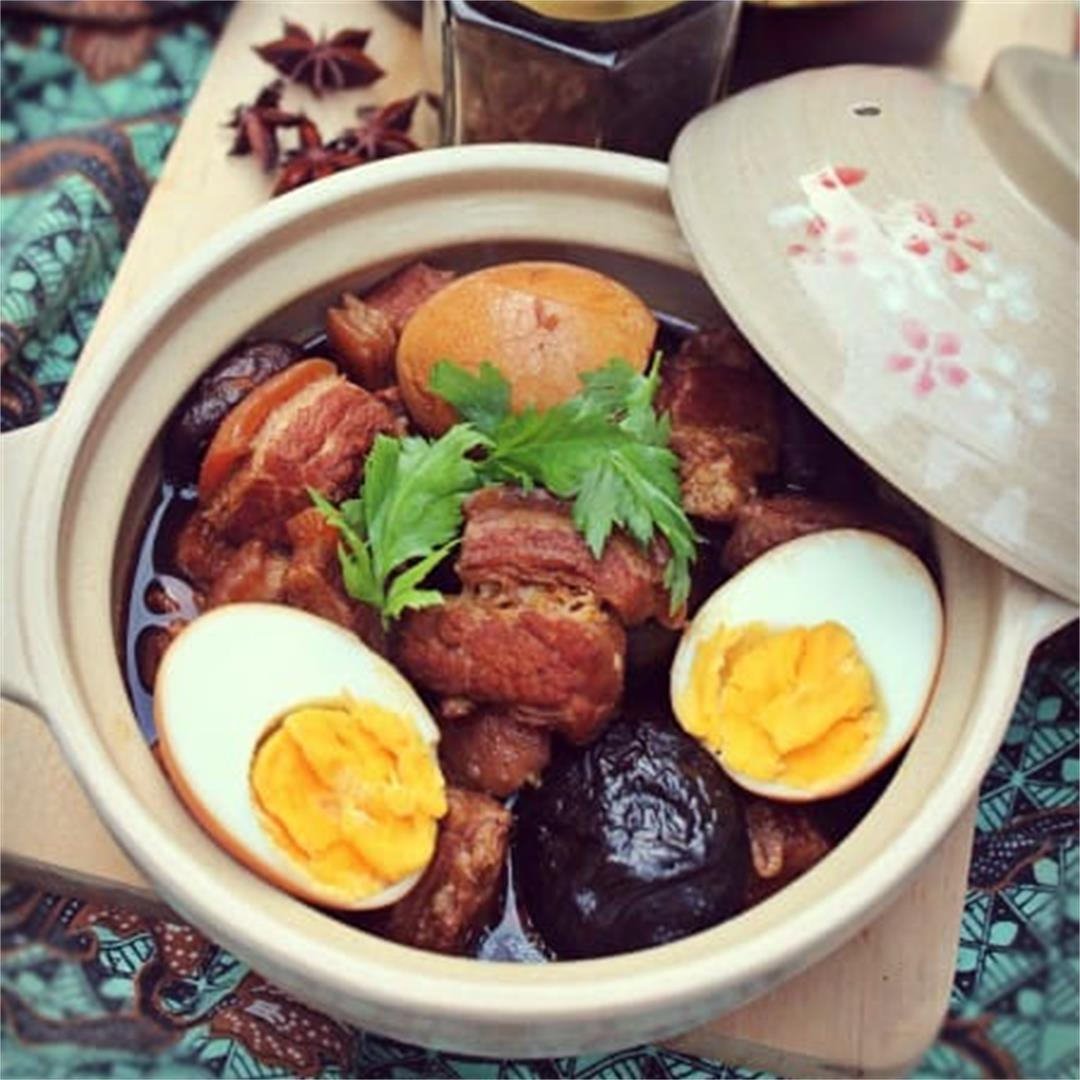 Pork Belly Braised in Soy Sauce (Tau Eu Bak)