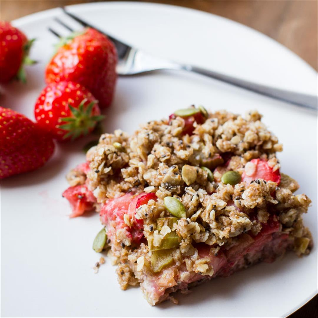 Healthy Strawberry Rhubarb Oatmeal Bars (Vegan)