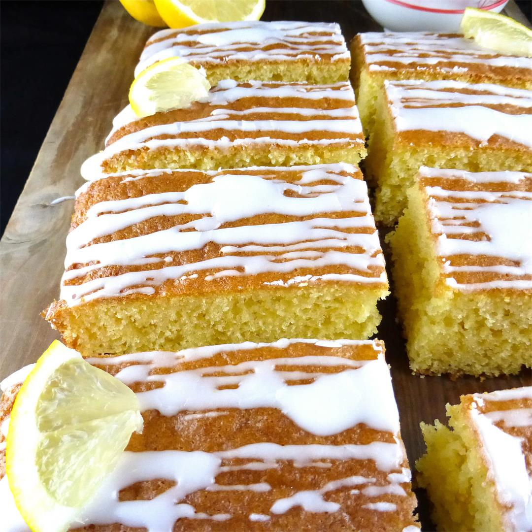 Simple Spelt Lemon Traybake with Lemon Icing