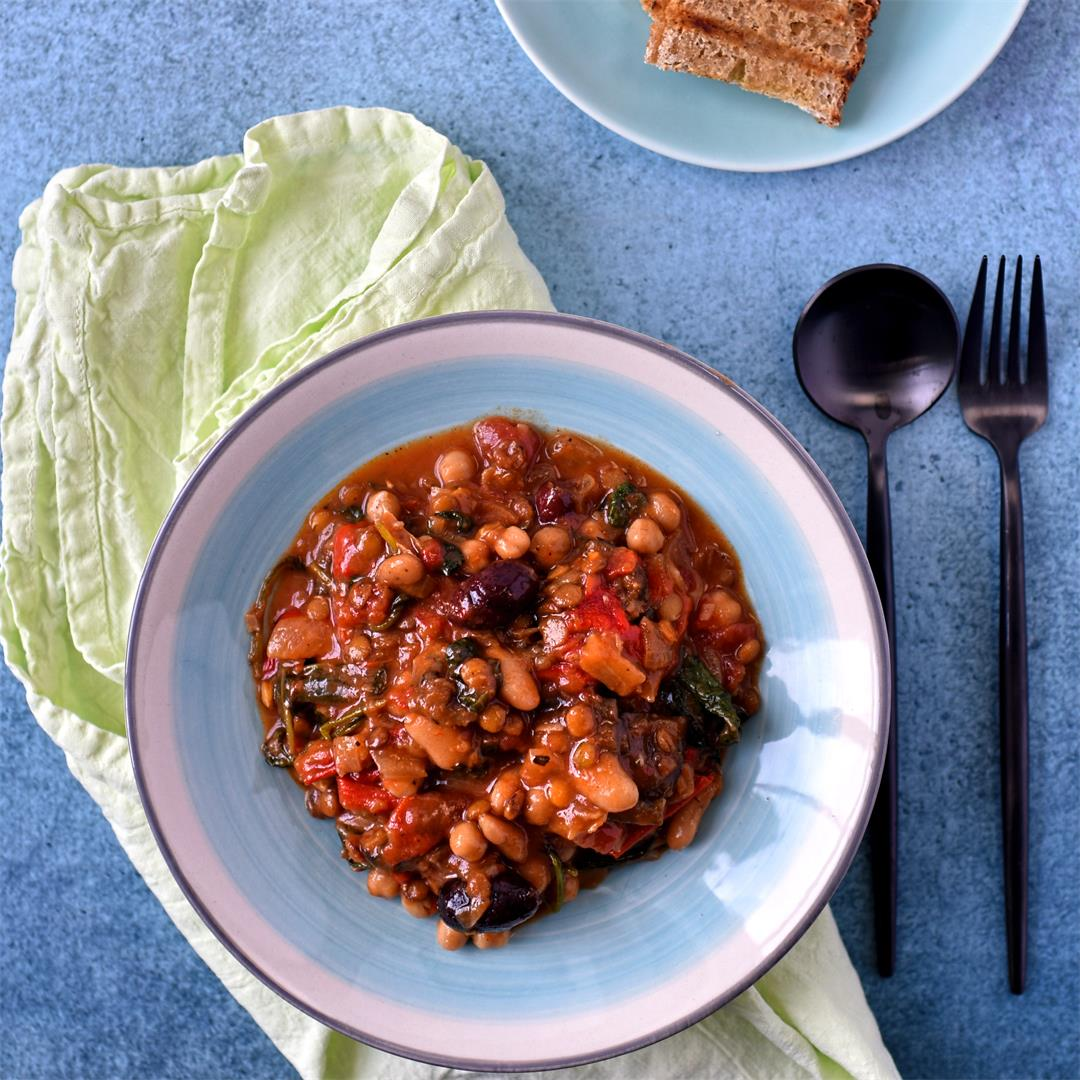 Mediterranean chickpea, pepper and olive stew