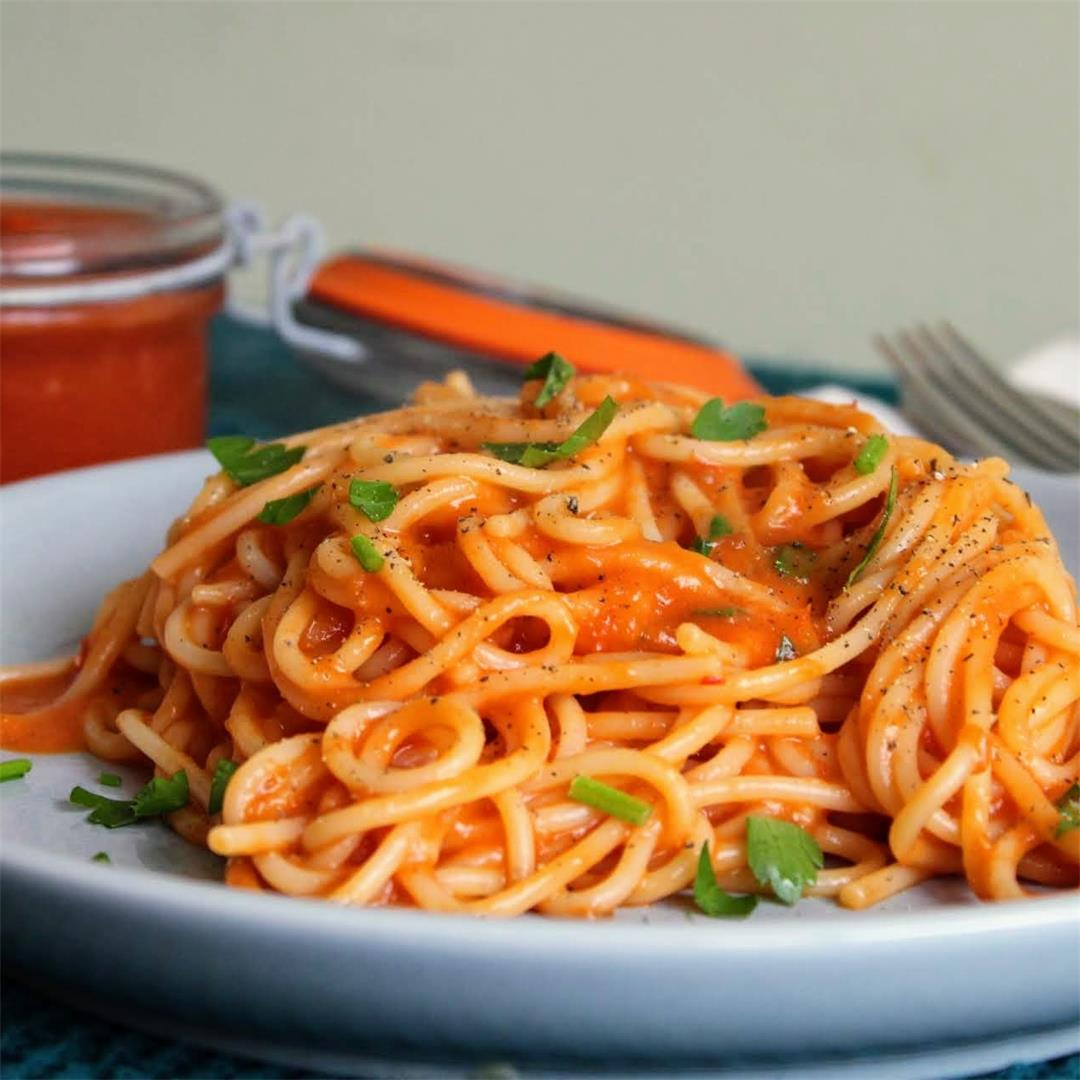 Roasted Red Pepper and Chilli Pasta Sauce