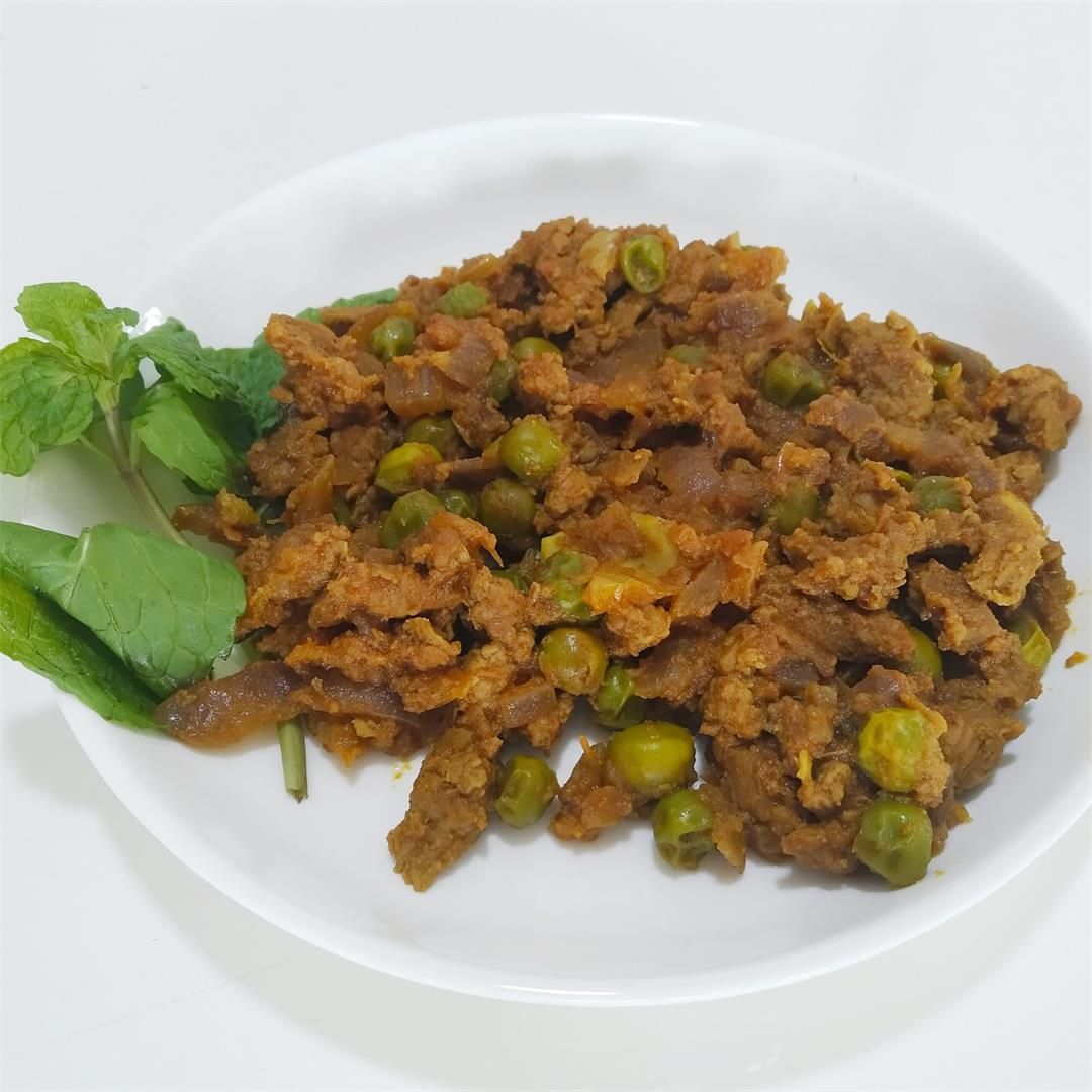 Minced Meat with Peas Curry