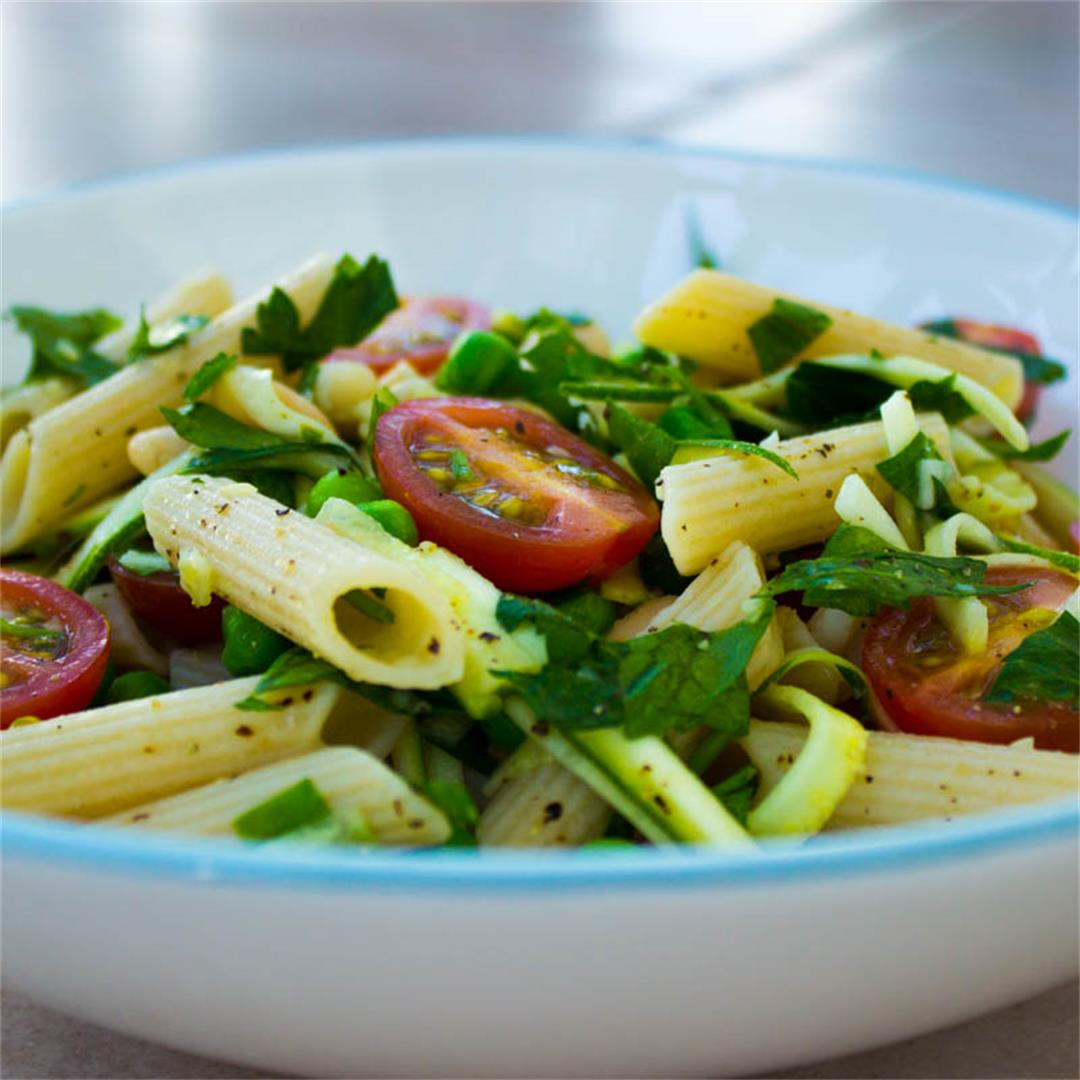 Quick Parsley, Pea & Tomato Pasta (vegan & gf)