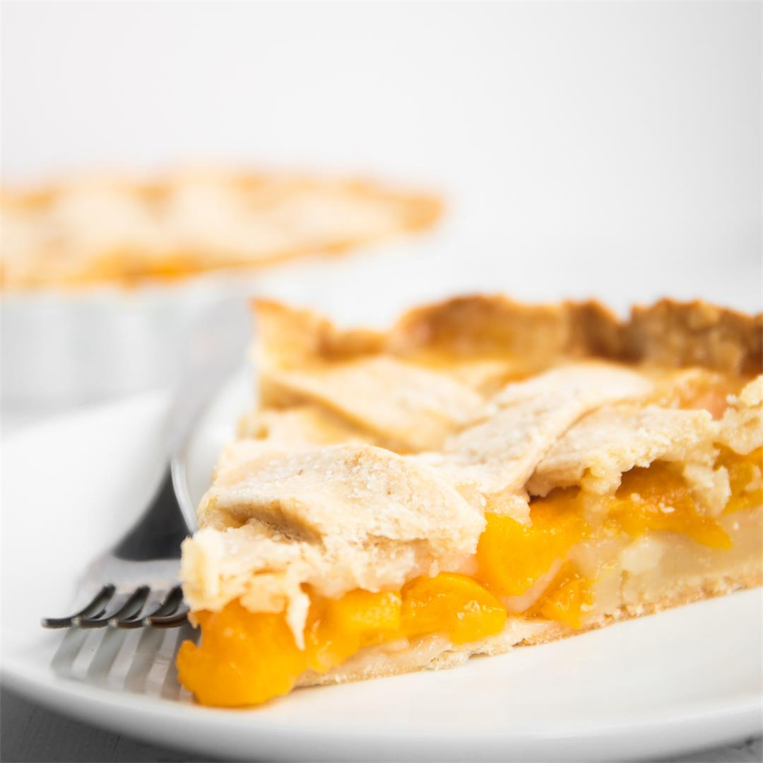 Easy Peach Pie with Canned Peaches