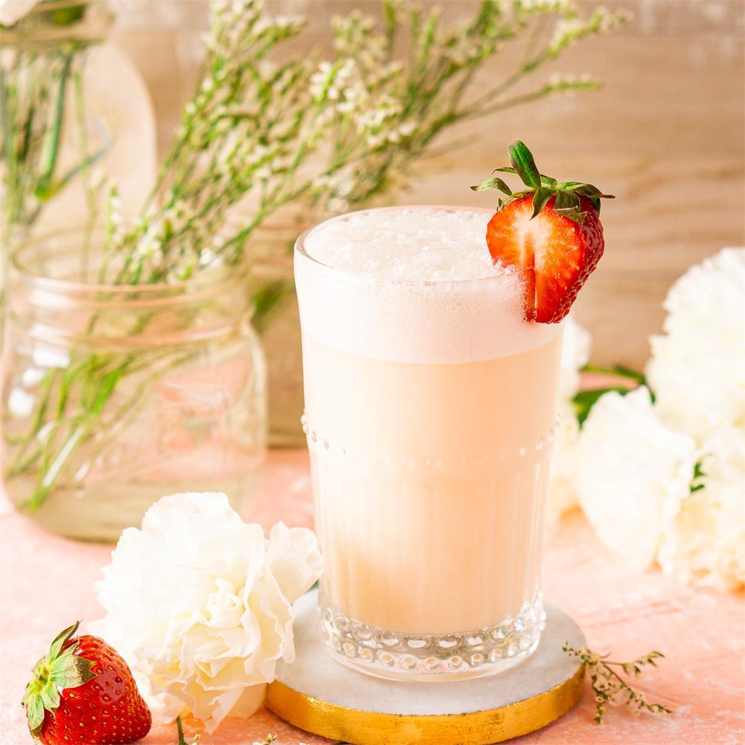 Strawberry-Rhubarb Gin Fizz