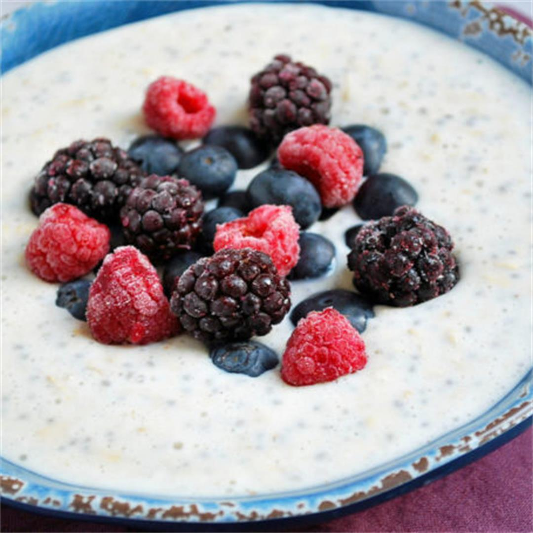 Overnight Greek Yogurt Protein Oatmeal