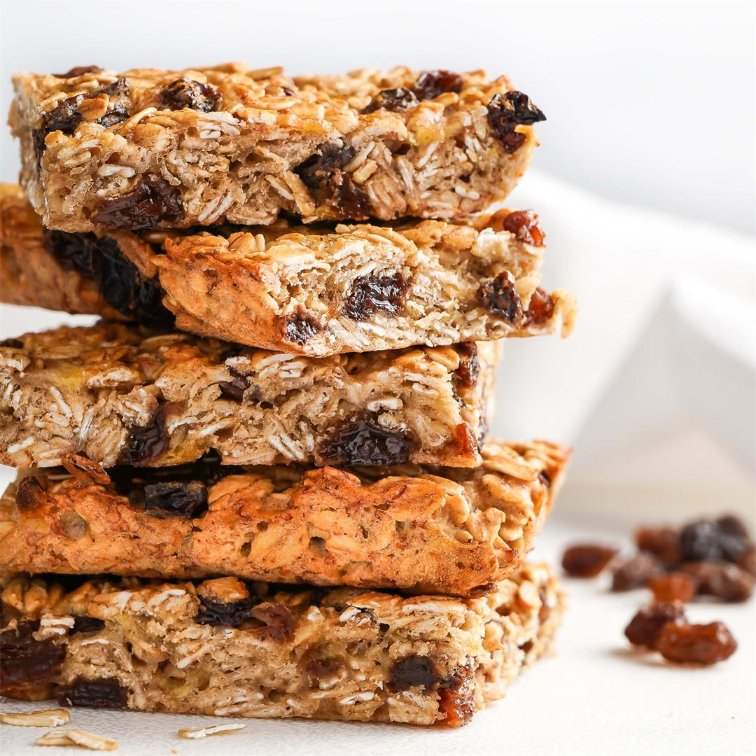 Easy Oatmeal Raisin Breakfast Bars