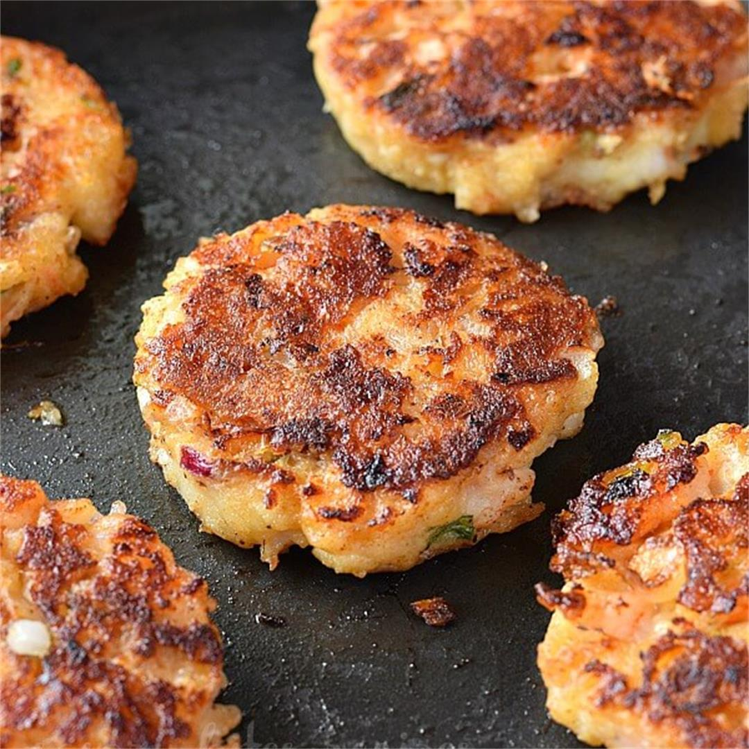 Easy Shrimp Cakes (With Video)