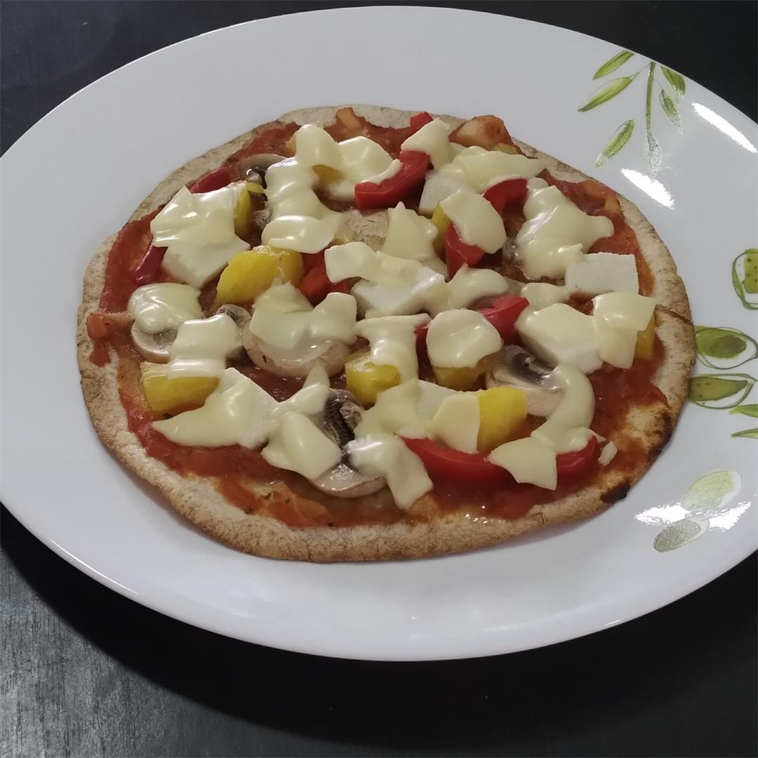 Tortilla recipe-Crispy Hawaiian tortilla pizza