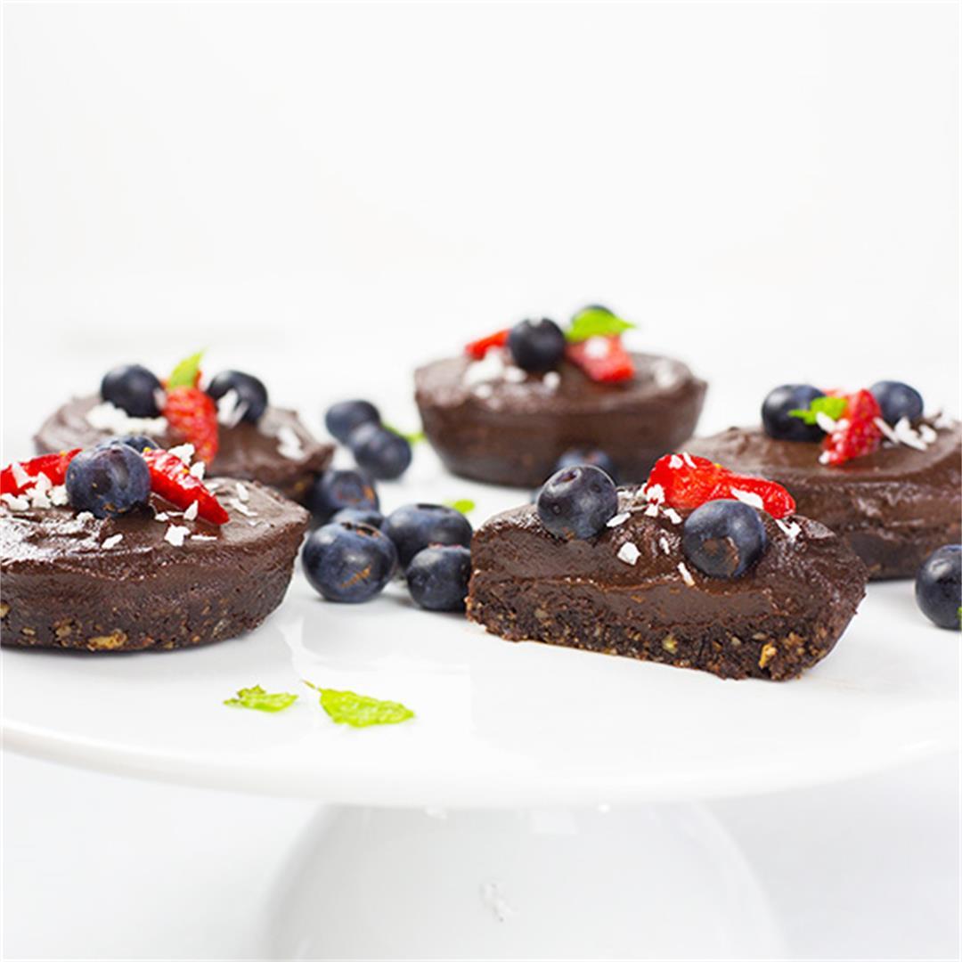 No Bake Vegan Chocolate Cheesecakes