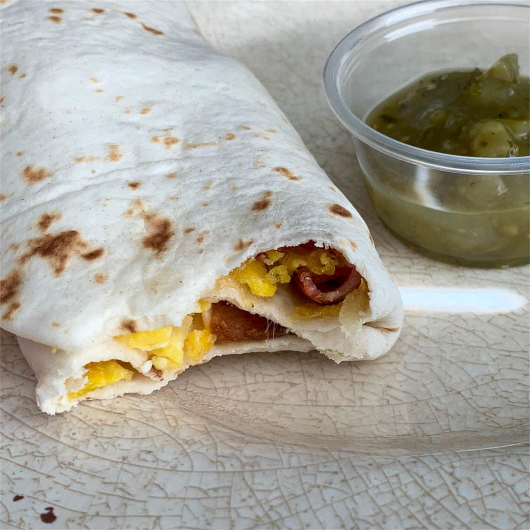 Eggs & Bacon Breakfast Burritos