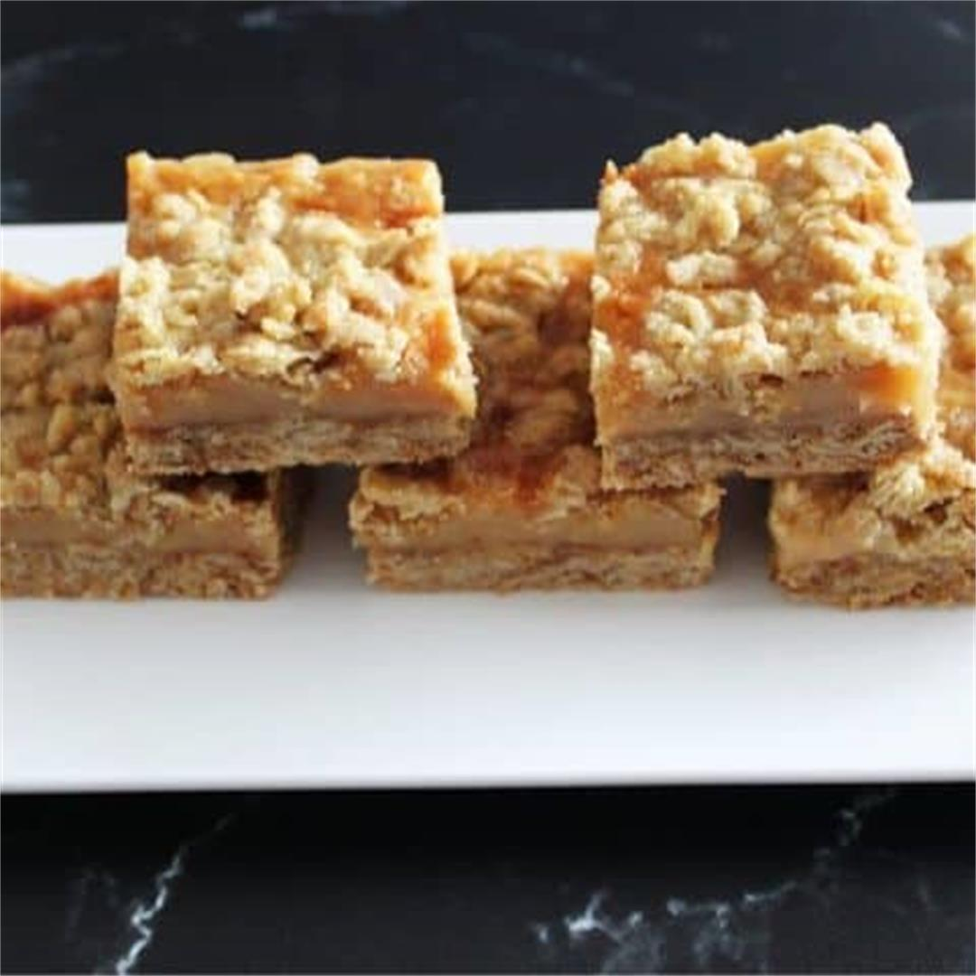 Caramel Crumb Bars - It's Not Complicated Recipes